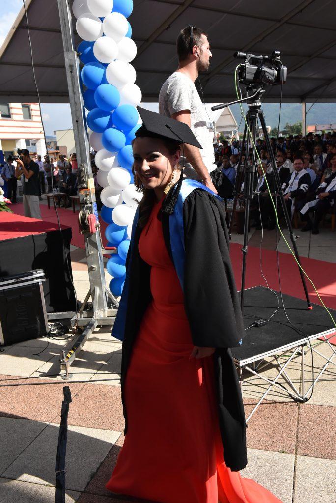 """Amila R.: Dank der Unterstützung der Stiftung """"Junge Weltbürger"""" wurde es mir möglich, mein Bachelor-Studium in Psychologie in Sarajevo erfolgreich zu beenden."""